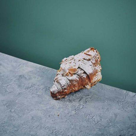 Almond-Croissant_600x